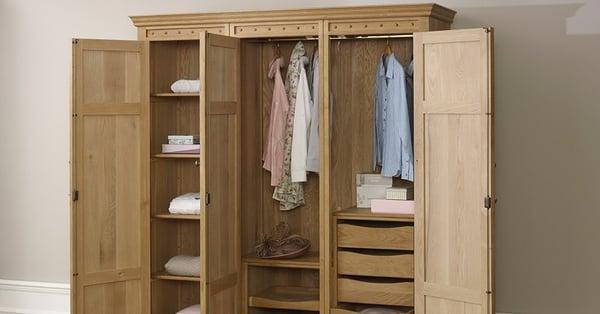 3 Door Wardrobe Page 76