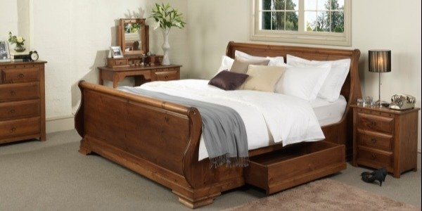 Camarge Sleigh Bed in Old Wood