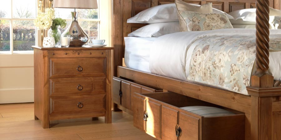 County-Kerry-Four-Poster-Bed-Headboard