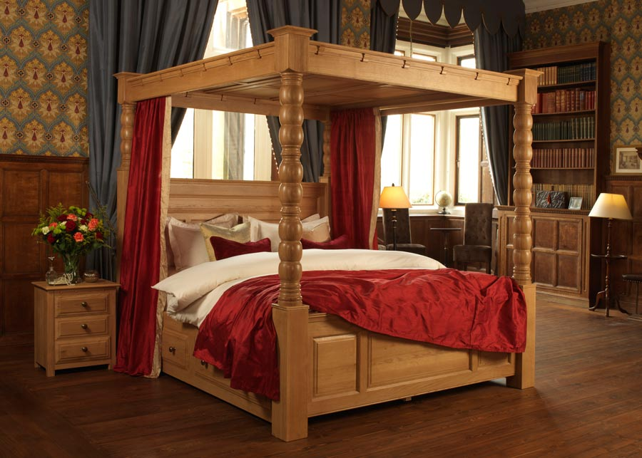 ambassador-solid-oak-four-poster-bed