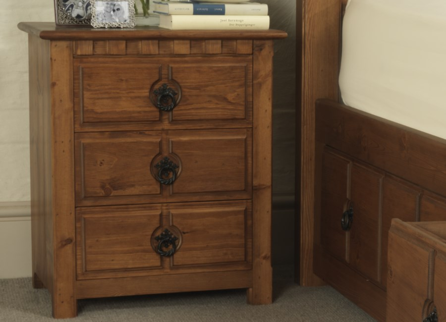County Kerry 3 Door Bedside Cabinet