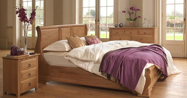 Monaco-Sleigh-Bed-in-Solid-Oak-1-1