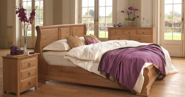 Monaco-Sleigh-Bed-in-Solid-Oak-1