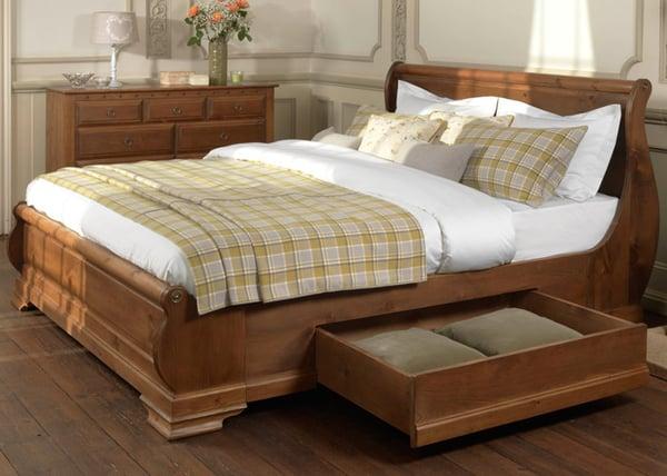 Parisienne Sleigh Bed