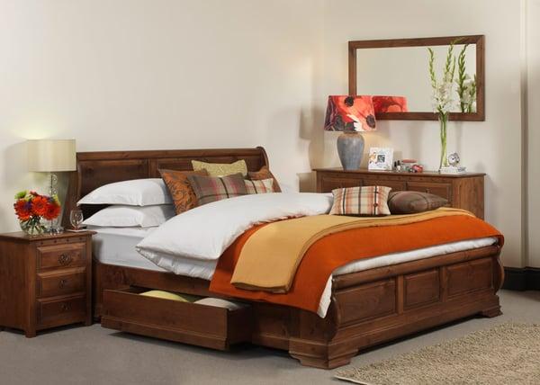 Monaco Sleigh Bed