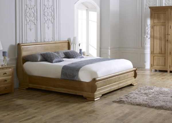 Parisienne Sleigh Bed in Natural Oak