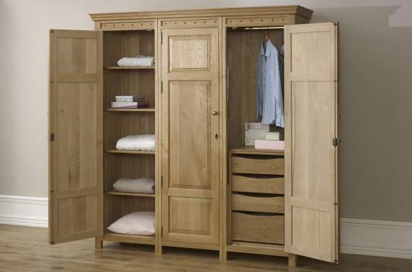 Solid Oak 3 Door Wardrobe