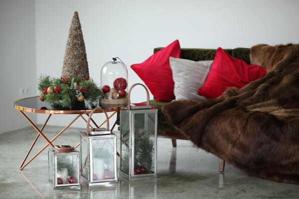 silver christmas floor lanterns - christmas bedroom inspiration